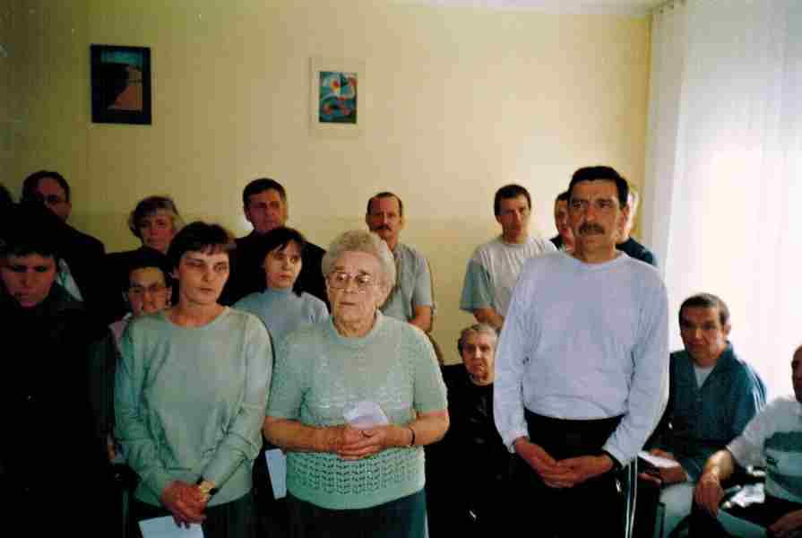Z tyłu Grupa Michała Archanioła z przodu pacjenci Oddziału