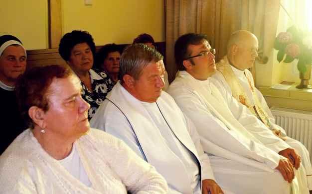 Kapłani na Mszy św. koncelebrowanej..